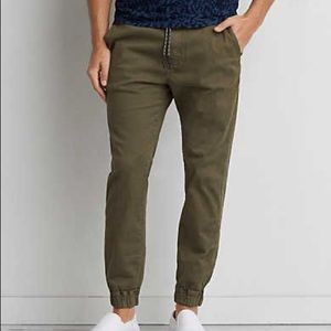 American Eagle Extreme Flex Joggers Olive *NEW*